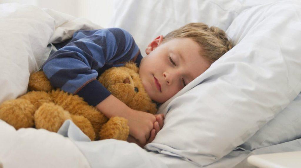 睡眠与健康的关系,睡眠分为几个阶段?